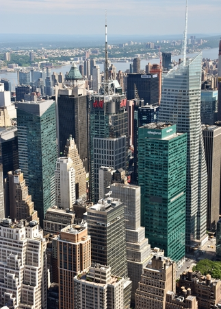 The skyline of midtown New York City and Times Square. 에디토리얼