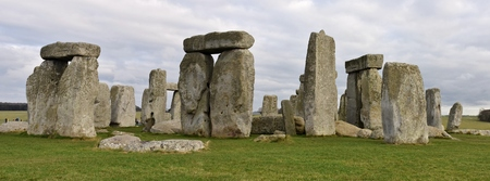Stonehenge is a prehistoric druid monument in Wiltshire, England from the neolithic bronze age