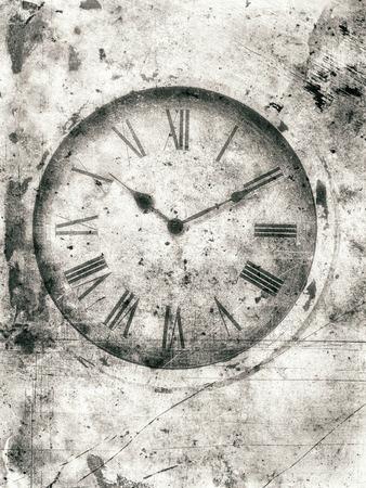 numeros romanos: reloj de la vendimia suave con números romanos con textura en un estilo áspero para una apariencia desgastada. Foto de archivo