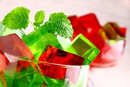 gelatina: Delicioso postre de dulce de gelatina en copa elegante
