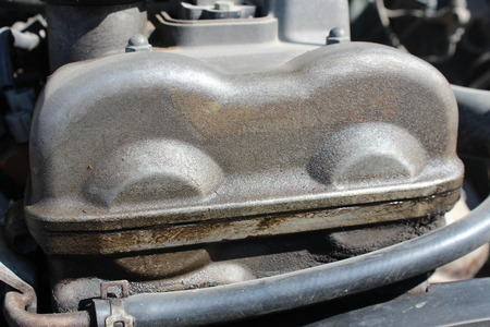 dirt: Oil dirt under the valve cover