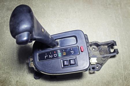 palanca: la palanca selectora de la caja de cambios automática Foto de archivo