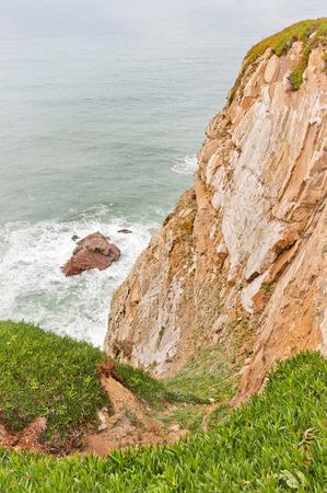 roca: stony coast in cabo da roca