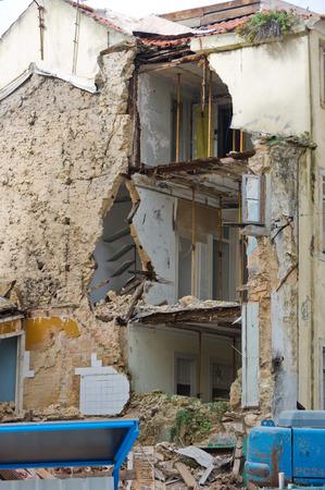 coincidir: Casa en ruinas