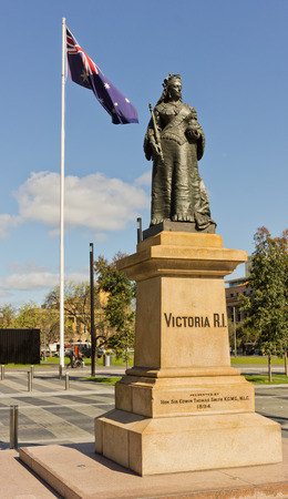 adelaide: Queen Victoria Monument in Adelaide