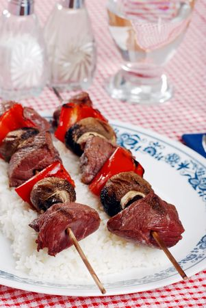 beef kabobs with mushrooms and red peppers photo