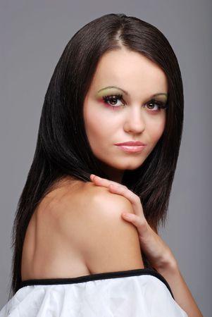 유럽의: beautiful european brunette woman