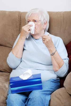 chorowity: chorych kobieta wyższych rozdmuchu jej nos