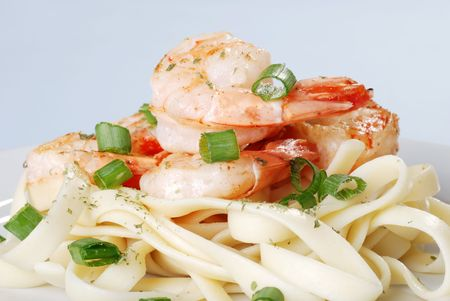 shrimp with spring onions and noodles photo