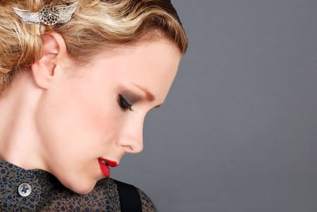 blond woman with red lipstick side profile photo