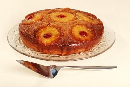 pi�as: Pi�a al alza hacia abajo de la tarta con cerezas