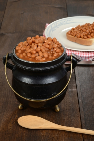baked: pot of baked beans Stock Photo
