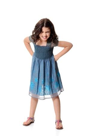 sandalias: Enojado niña en el vestido azul