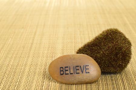 believe: primer creer piedra