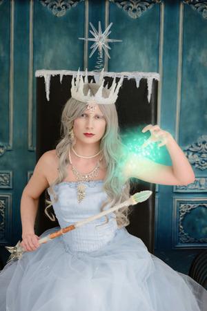 ice queen: evil ice queen using magic