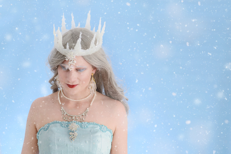 ice queen: ice queen with snow