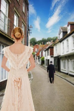 vintage: Victoriaanse vrouw kijken man op straat