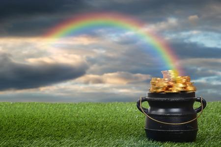 pot d'or avec arc en ciel