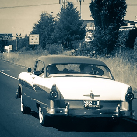 cruising: Cruising down the highway