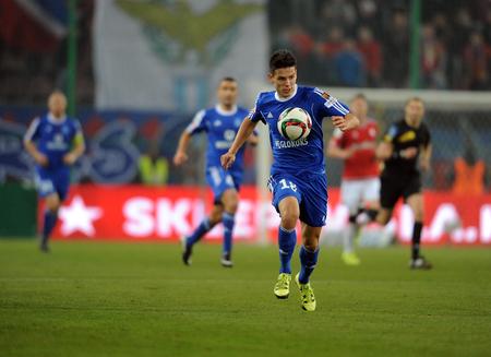 ruch: CRACOV, POLAND - OCTOBER 30, 2015: T-Mobile Extra League Polish Premier Football League Wisla Krakow - Ruch Chorzow op: Mariusz Stepinski