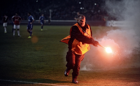 ruch: CRACOV, POLAND - OCTOBER 30, 2015: T-Mobile Extra League Polish Premier Football League Wisla Krakow - Ruch Chorzow op: Football fans hoolignas