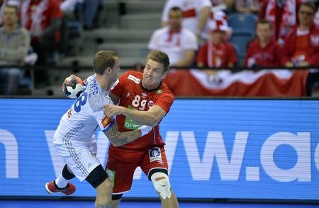 CRACOV, POLEN - 27 januari 2016: Heren EHF Europese handbalfederatie EURO 2016 Krakow Tauron Arena Frankrijk Noorwegen o  p: Valentin Porte Lie Espen Hansen