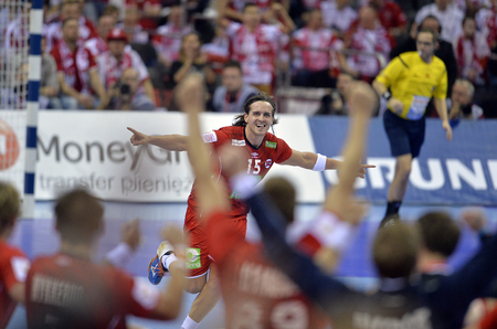 CRACOV, POLAND - JANUARY 27, 2016: Men's EHF European Handball Federation EURO 2016 Krakow Tauron Arena France Norwayo/p: Robin Kend Tonnesen Sajtókép
