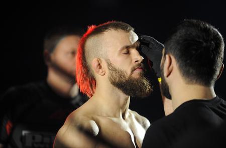 artes marciales mixtas: WARSAW, POLAND - FEBRUARY 06, 2016: ACB International Mixed Martial Arts Fight Night
