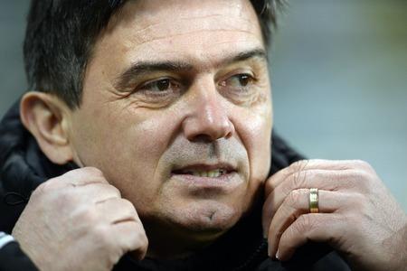 midfielder: WARSAW, POLAND - FEBRUARY 28, 2016, T-Mobile Polish Extra League Premier Football League Legia Warsaw movement Chorzowop: coach Waldemar Fornalik
