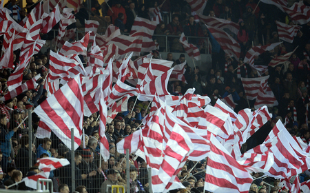 cracovia: Cracov, POLAND - MARCH 12, 2016, T-Mobile Polish Extra League Premier Football League Cracovia Legia Cracov Warsawo  p: Cracovia fans supporters