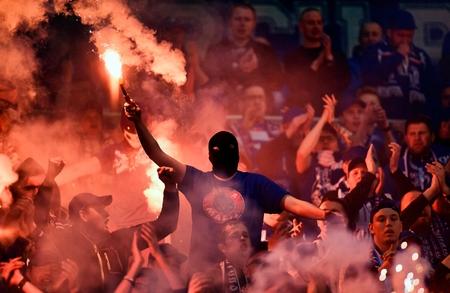 Arka グディニャ ゲームの間にワルシャワ、ポーランド - 2017 年 5 月 2 日: ポーランド余分リーグ ポーランド プレミア サッカー リーグ レッヒポズナ