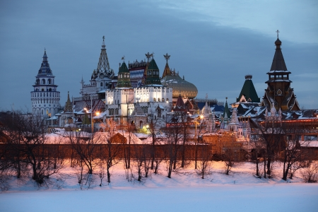 Izmaylovo kremlin in Moscow   Winter evening