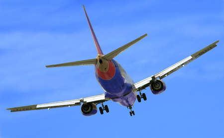 Jetliner makes its turn to final approach
