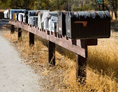Long row of mailboxes in rural USA  版權商用圖片
