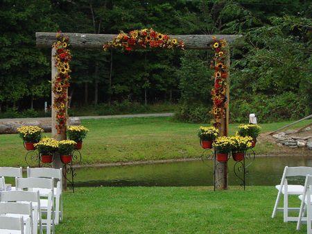 結婚式場の祭壇