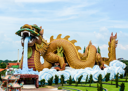 Large dragon museum in city center, Dragon Descendants Museum, Suphanburi, Thailand 写真素材 - 121139309