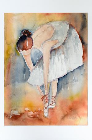 Het moderne waterverf fijne kunst schilderen van een bevallige jonge ballerina of een danser in een tutu die neer buigt om het kant van haar balletschoenen te binden Stockfoto