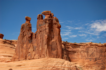national scenic trail: The Three Gossips on the Park Avenue and Courthouse Towers trail, Arches National Park