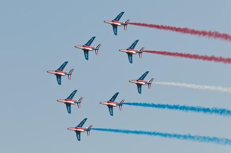 Radom, Lengyelország - augusztus 27., 2011: Patrouille de France teszik show alatt Air Show Radom 2011