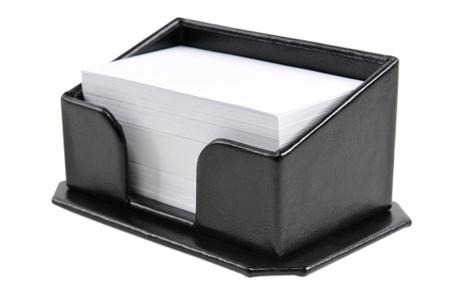 Fekete bőr névjegykártya tartó elszigetelt fehér