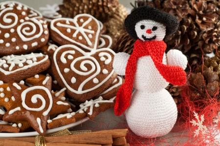 Kézzel készített karácsonyi horgolt Slim hóember Stock fotó