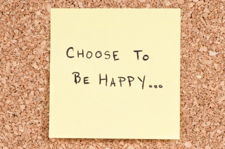 gratitude: Choose To be Happy, handwritten on a sticky note