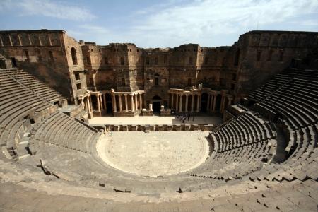 roman amphitheatre: Antiguo anfiteatro romano, Bosra, Siria Foto de archivo