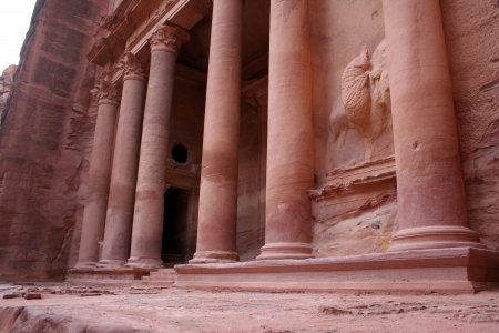 Petra, en Jordania, el capital nabatea photo