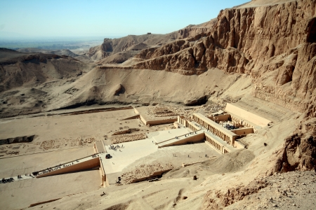 Valley of Kings and the tempel of Hatchepsut Stock Photo - 13694288