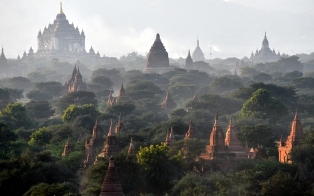 Myanmar sightseeing  Temples in the plain of Bagan photo