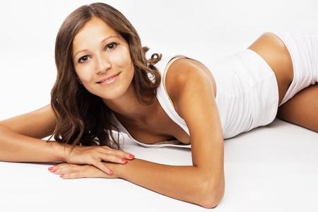 ropa interior ni�as: Joven y bella mujer en ropa interior de algod�n blanco Foto de archivo