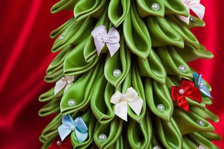 kanzashi: Handmade Decorated Christmas Tree Green Fabric Ribbon Kanzashi