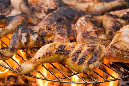 barbequed chicken legs. Zdjęcie Seryjne