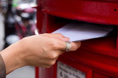 posting letters Banque d'images